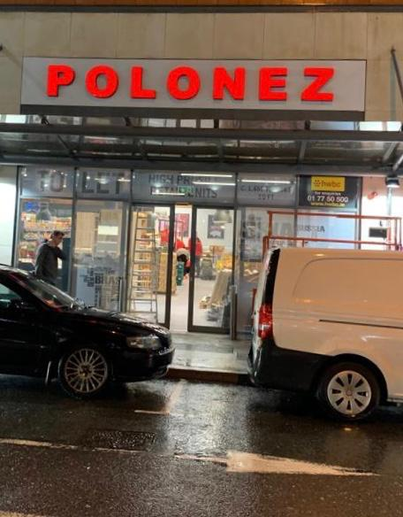 Polonez Sign glowing red